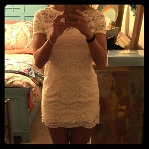 Adorable Billabong lace dress